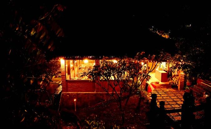Hujan malam di Bukit Alamanda