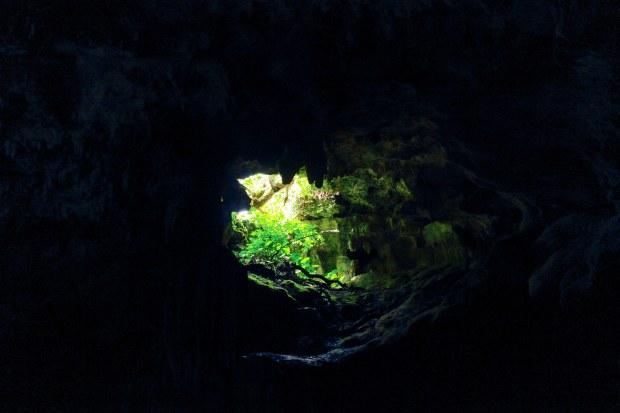 Lubang lainnya di Gua Lanang. Ada tiga lubang di gua ini. Lubang besar untuk masuk, lubang kecil yang ini dan satu lagi lubang besar untuk keluar.