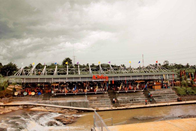 Pasar Apung, Sentul Jawa Barat.