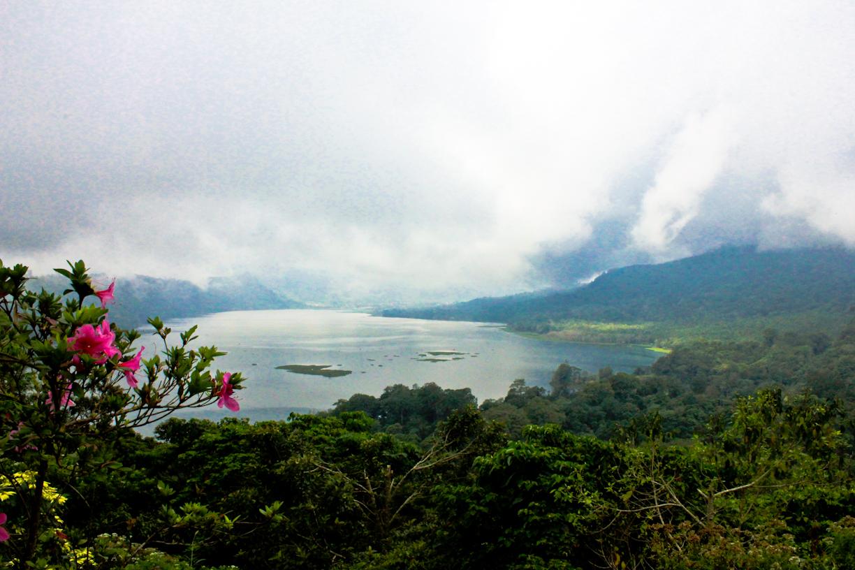 Foto dua tahun lalu; Danau Buyan