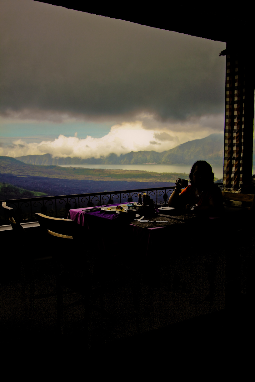 pemandangan dari grand puncak sari resto.
