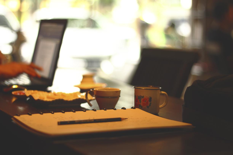 kalau sudah ngopi, biasanya ide untuk menulis terus mengalir.