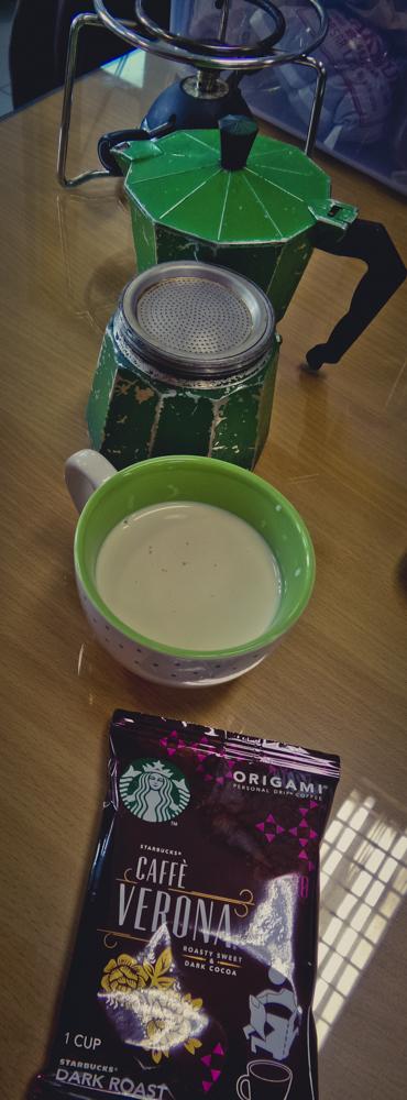 Verona. Cream dan Moka Pot.