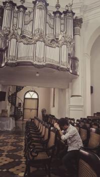 Di gereja ini saya pindah agama, berdoa dan mengaku dosa.
