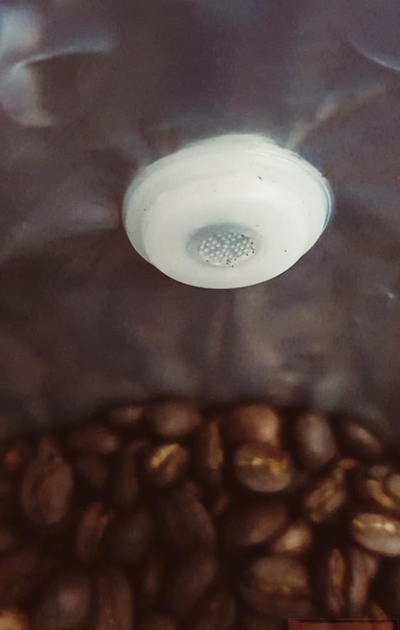 Wajib pakai valve untuk menjaga aroma dan rasa kopi tetap terjaga.