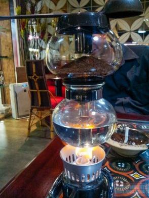 Dan ini spirit alcohol burner stove. Lihat warna apinya.
